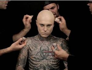 zombie boy no tattoos dermablend 02 The Best Cover Up   Zombie Boy!